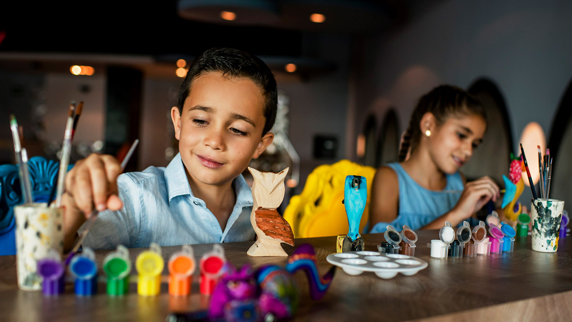 Crafts for kids in Grand Velas Riviera Nayarit