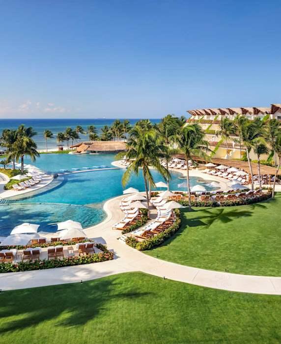 Un resort de lujo en la Riviera Maya frente al mar Caribe de México